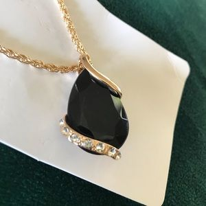 Jewelry - Black pendant with chain